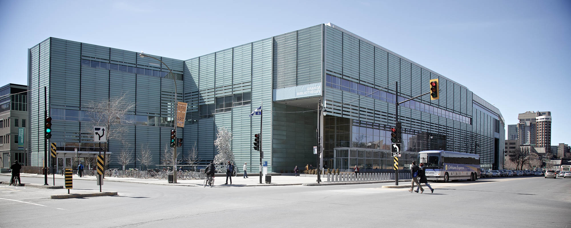 Panoramic image of the Québec National Library in Montréal.
